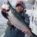 4.4kgを釣ったのは富良野市の柴さん!