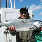 札幌市の野沢さんが釣った5kg板マス