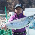 札幌市の和田さんが釣った4.2kg