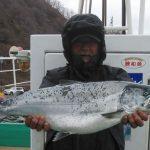 北見市の木村さんが釣った板マス5.4kg、見事ですね!