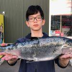 蓮間敏さんが釣ったサクラマス51.5cmです