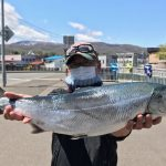 若見昌三さんが釣った65.5cm,4.15kg