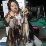 香西さんが真イカの良型ばかり一度に5ハイ