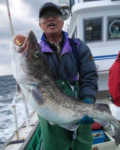 タチ入り真ダラの15kgを釣った札幌市の菊池さんです