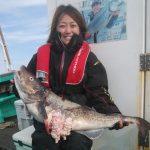札幌市の鈴木さんが釣ったタチフルな真ダラ90cm
