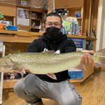 渡辺義也さんのアメマス71.5cm,3.7kg