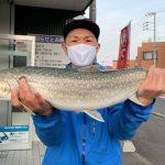 鈴木さんが釣った4kgオーバーはアメマス